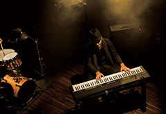 [Rd I] Synonymous with the Electric Piano